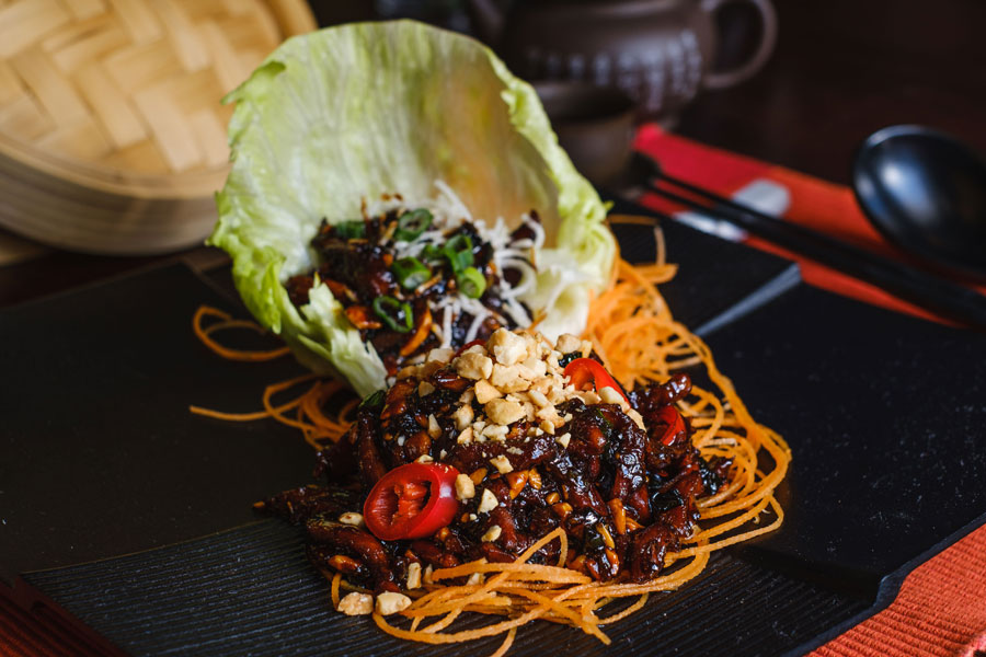 Crispy Noodles And Spicy Duck Wraps